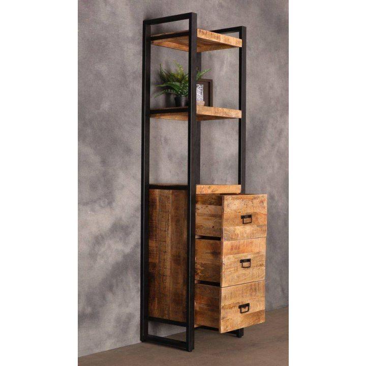 Industriële boekenkast mangohout.  Met drie lades en twee open vakken.
