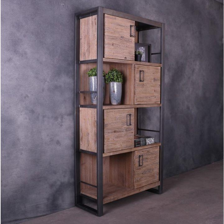 boekenkast industrieel met houten deuren