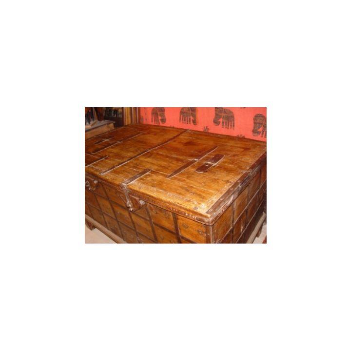 hele grote houten kist