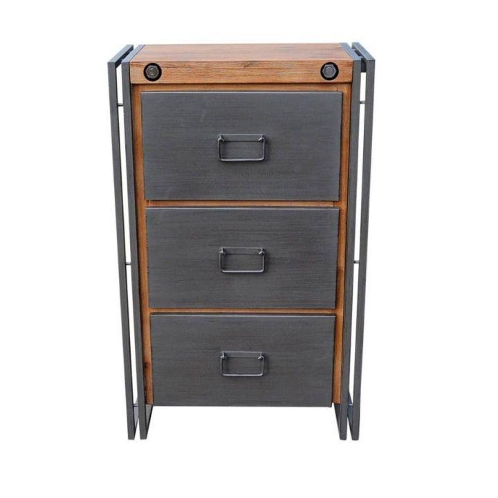 Industriële kast met lades. Deze ladekast is gemaakt van acaciahout in combinatie met ijzer. Het ladekastje heeft drie lades.
